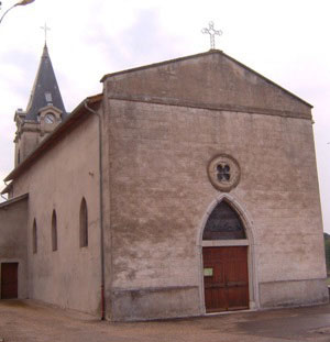 http://ladombes.free.fr/images/Les%20eglises/Marlieux/Eglise.JPG